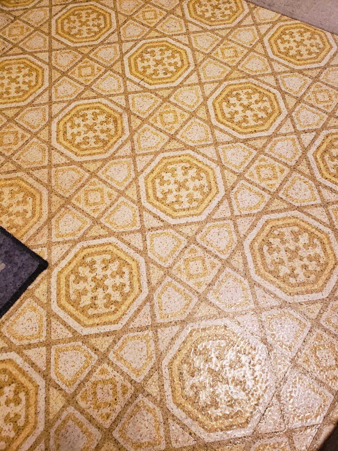 Ugly Duckling Yellow – Become a Swan! ugly floor contest entry photo